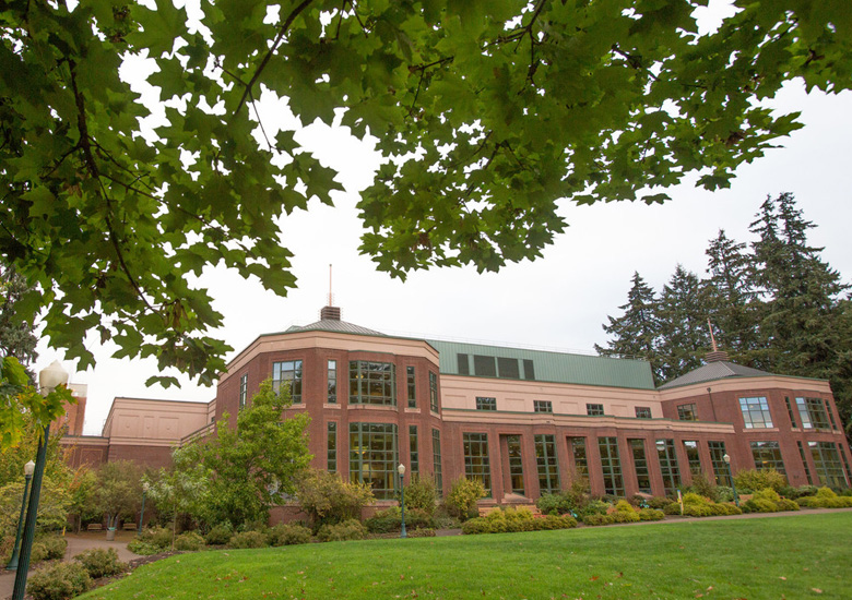 Photo of the Knight Library on the UO campus, for the About page University of Oregon Browsing Room.